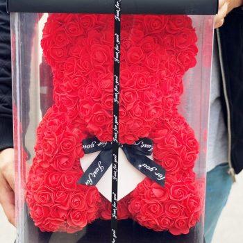 Nagy piros rózsamaci